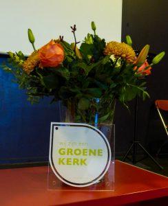 Groene kerk bloemen